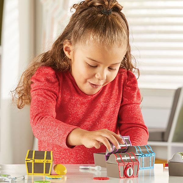 Kalózos kincsesládák - záras, számolós ügyességi játék-Learning Resources